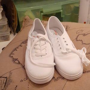 Brand new Van's original sneakers M 5.5 W 7.0